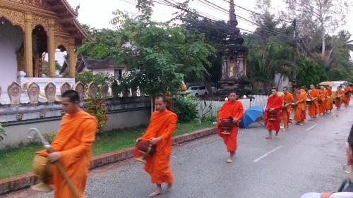 laos-monk-monastery-buddhism