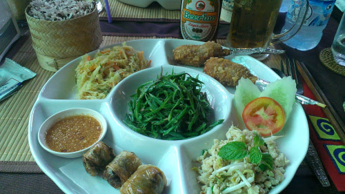 laos-food-lunch