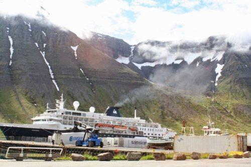 iceland-ship-Isafjörður