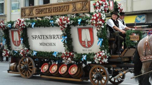 beer-car-185453_1920
