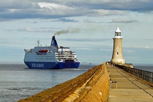 ferry-1078094_640