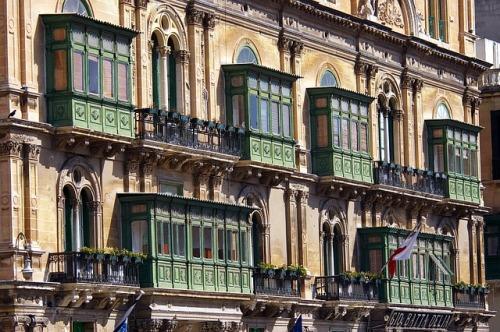 balconies-895055_640