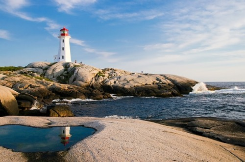 lighthouse-1872998_640