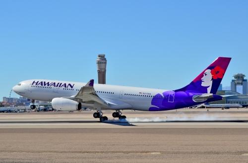 N373HA_Hawaiian_Airlines_2014_Airbus_A330-243_-_cn_1530_Kūkalani'ehu_(14507537716).jpg