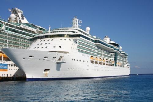 cruise-ship-500398_640