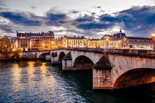 paris-1768702_640