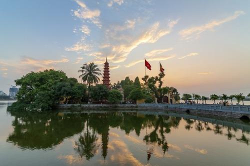 tran-quoc-pagoda-3559145_640