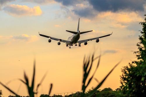 airplane-3298686_640