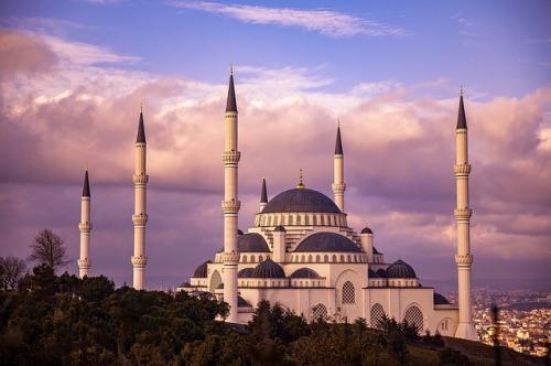 mosque-3905675_640