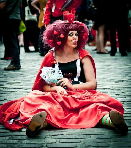 street-performers-870119_640