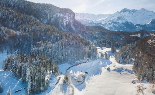 Bruenig_Haslital_Drone_02_Winter