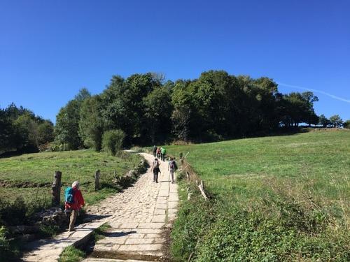 hiking-1733693_640